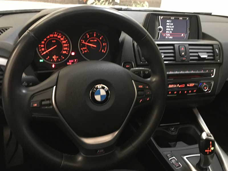 BMW Serie1 M Sport Edition, carsmultimarca.com, vista interior.