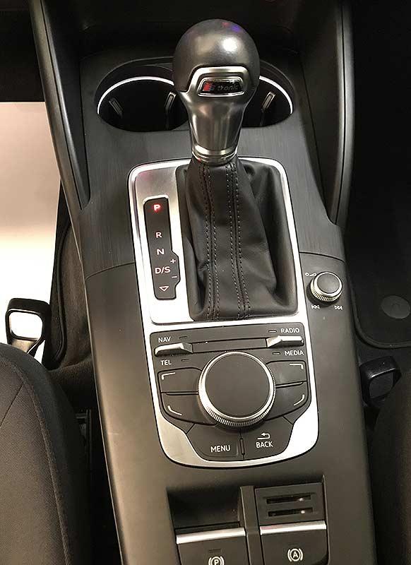 AUDI A3 S Tronic Sportback, carsmultimarca.com, vista de controles.