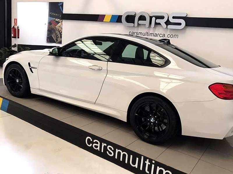 BMW M4 DKG, carsmultimarca, vista lateral.