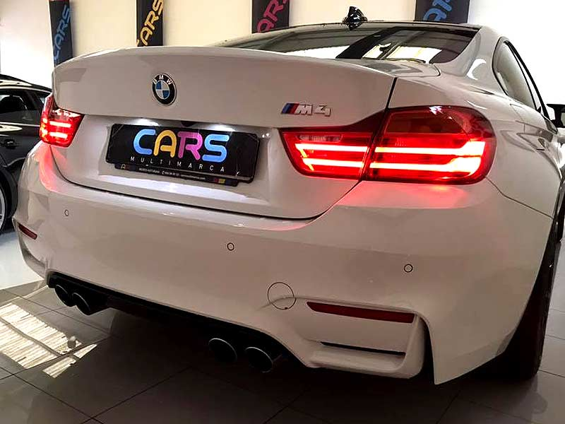 BMW M4 DKG, carsmultimarca, vista posterior.