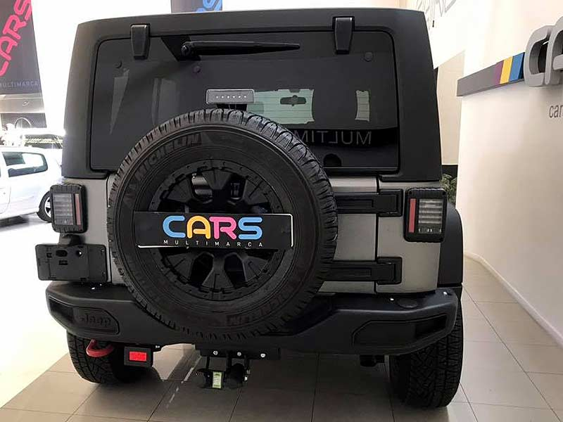 Jeep Wrangler Rubicon, carsmultimarca.com, vista postertior.