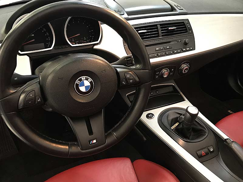 BMW Z4 M Roadster, carsmultimarca.com, vista interior.