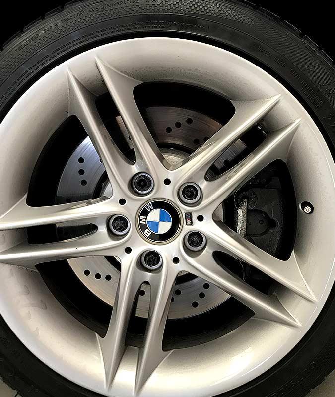 BMW Z4 M Roadster, carsmultimarca.com, vista de llanta.