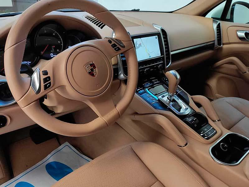 Porsche Cayenne V6, carsmultimarca, vista interior.