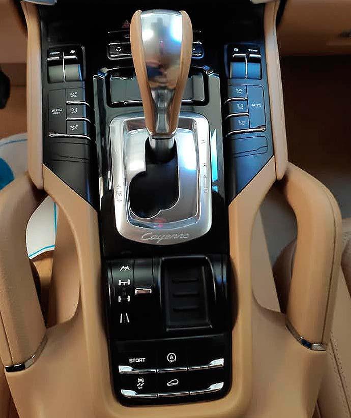 Porsche Cayenne V6, carsmultimarca, vista dee controles.