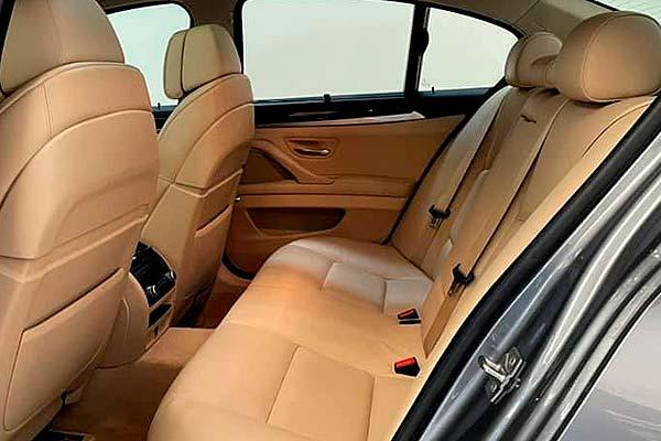 BMW 520d, carsmultimarca.com, vista asientos posteriores.