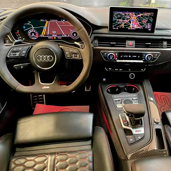 AUDI RS5 Carbon Edition, vista del volante