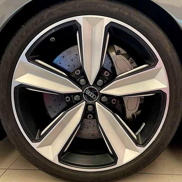 AUDI RS5 Carbon Edition, vista DE llantas