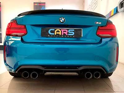 vista posterior del BMW