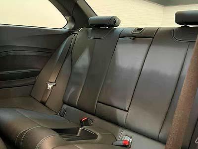 BMW M2 370 cv, carsmultimarca, vista asientos posteriores