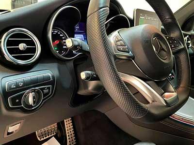 vista interior del coche